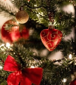 Expensive Christmas Heart-shaped Ornaments and Decorations | Luxury Homes by Brittany Corporation