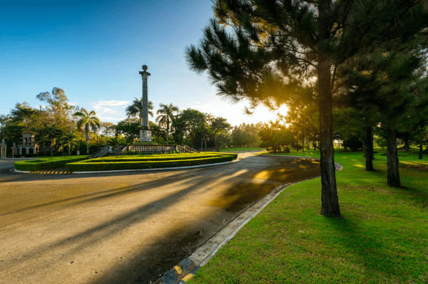 The obelisk at the Promenade in Sta. Rosa | Brittany Sta. Rosa | Luxury Homes by Brittany Corporation