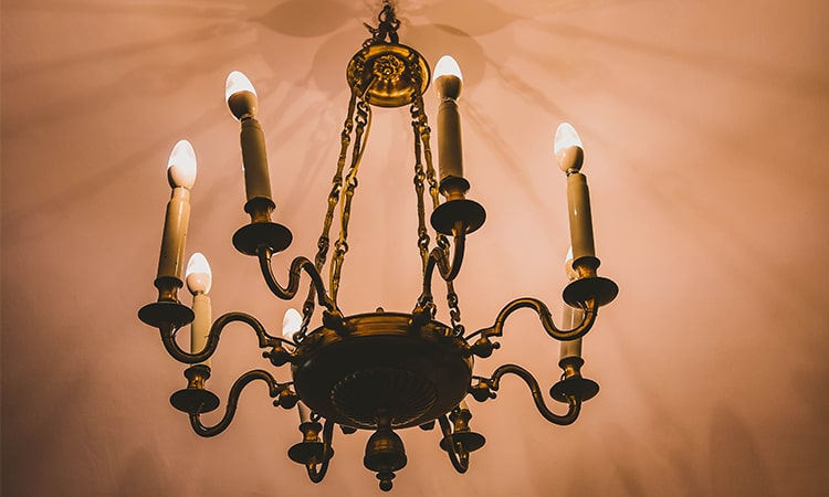 Brittany-How-Lighting-can-Bring-Elegance-to-Luxury-Homes-Decorative-Lighting