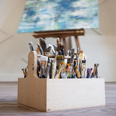 Brittany-Creative-Ways-to-Set-Up-Your-Own-Art-Studio-At-Home-10