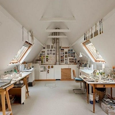 Brittany-Creative-Ways-to-Set-Up-Your-Own-Art-Studio-At-Home-4