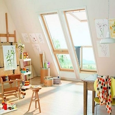 Brittany-Creative-Ways-to-Set-Up-Your-Own-Art-Studio-At-Home-5