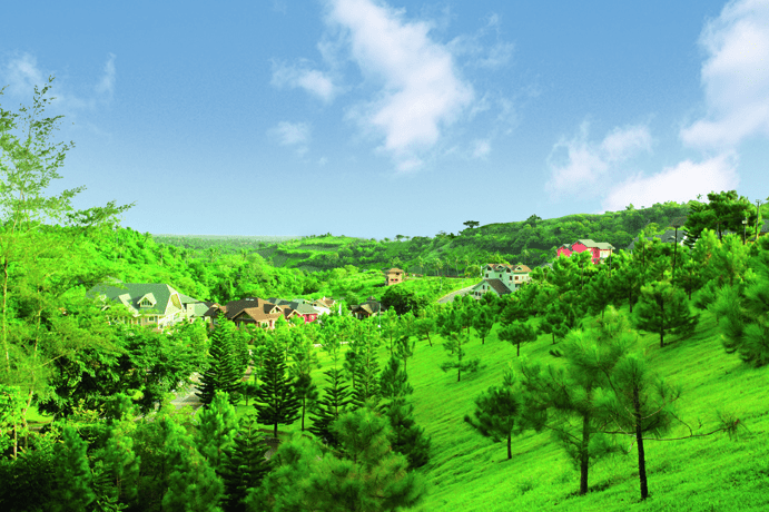 A wide shot of the sprawling nature at Crosswinds Tagaytay   Luxury Homes by Brittany Corporation